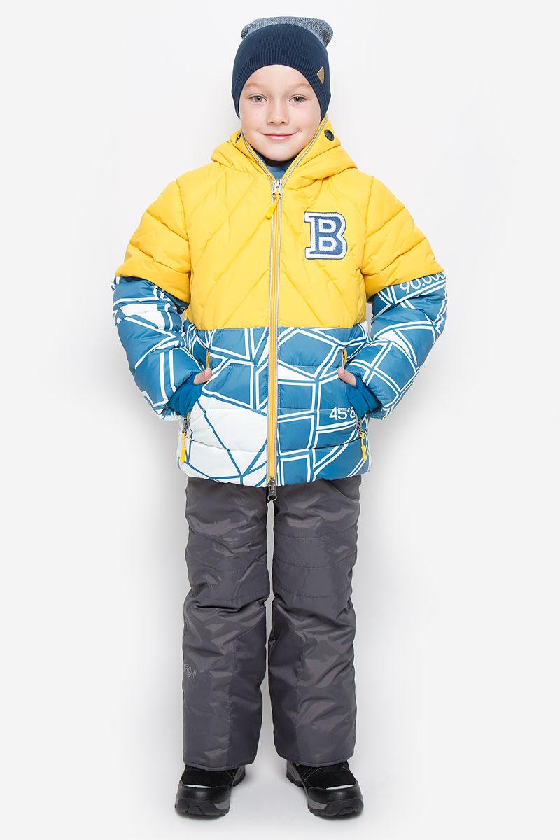 Комплект для мальчика Boom!: куртка, полукомбинезон, цвет: желтый, темно-бирюзовый, темно-серый. 64359_BOB_вар.1. Размер 80, 1,5-2 года64359_BOB_вар.1Теплый комплект для мальчикаBoom!, идеально подойдет вашему ребенку в холодное время года. Комплект состоит из куртки и полукомбинезона, изготовленных из водоотталкивающей ткани с утеплителем из синтепона. Куртка на флисовой подкладке в верхней части модели застегивается на пластиковую застежку-молнию и дополнительно имеет внутренний ветрозащитный клапан. Курточка с капюшоном, который застегивается на застежку молнию, имеет отверстия для носа и пластиковые окошки для глаз.Воротник застегивается на липучки. Рукава дополнены эластичными манжетами, которые мягко обхватывают запястья, не позволяя просачиваться холодному воздуху. Спереди имеются два втачных кармашка на молнии. Внизу изделие дополнено ветрозащитной вставкой от ветра и снега, застегивается на кнопку. Оформлена куртка ярким интересным принтом. Полукомбинезон с небольшой грудкой застегивается на пластиковую застежку-молнию и имеет наплечные эластичные лямки, регулируемые по длине. Лямки пристегиваются при помощи липучек. На талии предусмотрена широкая эластичная резинка, которая позволяет надежно заправить рубашку, водолазку или свитер. Спереди изделие дополнено двумя втачными кармашками. Снизу брючины дополнены внутренними манжетами с широкой антискользящей резинкой, не дающейкомбинезону ползти вверх, а также предусмотрены отвороты, чтобы модель могла расти вместе с ребенком. Так же изделие дополнено светоотражающими элементами. Комфортный, удобный и практичный, этот комплект идеально подойдет для прогулок и игр на свежем воздухе!