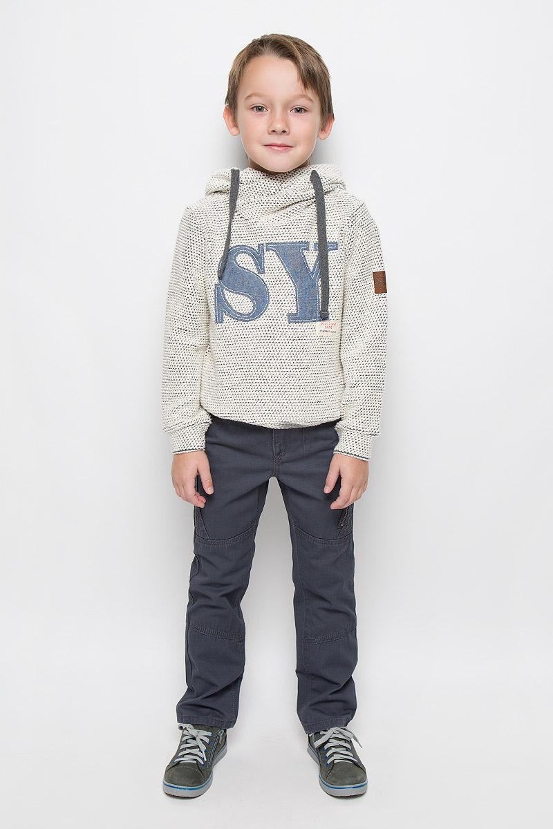 Брюки для мальчика PlayToday, цвет: графитовый. 361057. Размер 98, 3 года361057Стильные брюки для мальчика PlayToday изготовлены из натурального хлопка. Модель прямого кроя застегивается на молнию и пуговицу. На поясе предусмотрены шлевки для ремня. Регулировка в поясе на эластичной тесьме с пуговицами обеспечит идеальную посадку по фигуре. Спереди расположены два втачных кармана и один накладной, сзади - два накладных кармана. Брюки украшены декоративным карманом на молнии.