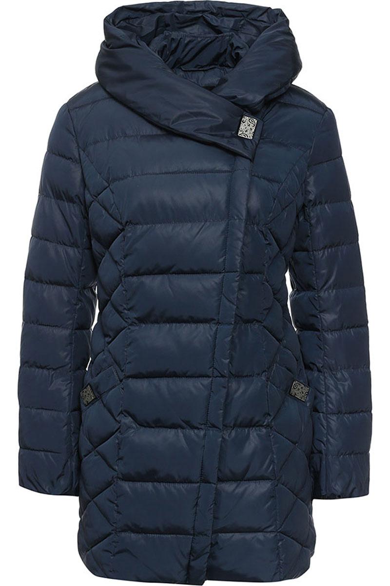 Куртка женская Finn Flare, цвет: темно-синий. W16-11029_101. Размер S (44)W16-11029_101Стильная женская куртка Finn Flare изготовлена из высококачественного полиэстера. В качестве утеплителя используется полиэстер.Куртка с несъемным капюшоном застегивается на ассиметричную застежку-молнию и на кнопку. Спереди расположены два прорезных кармана на кнопках.Манжеты рукавов присборены на резинку.