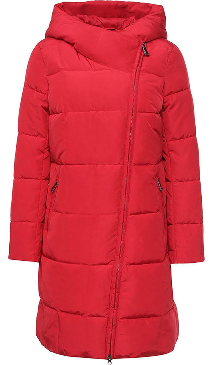 Пальто женское Finn Flare, цвет: темно-красный. W16-11001_305. Размер S (44)W16-11001_305Стильное женское пальто Finn Flare изготовлено из 100% полиэстера. В качестве утеплителя используется полиэстер. Пальто с несъемным капюшоном, застегивается на пластиковую молнию и кнопку. Спереди расположены два прорезных кармана на застежках-молниях. На рукаве модель дополнена нашивкой с названием бренда.