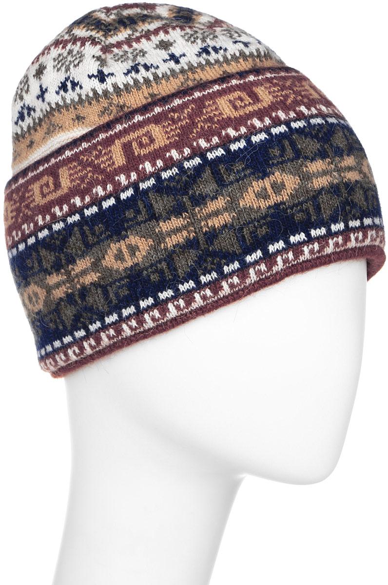Шапка женская Finn Flare, цвет: коричневый, бежевый, темно-синий. W16-12119_624. Размер 56W16-12119_624Стильная женская шапка Finn Flare дополнит ваш наряд и не позволит вам замерзнуть в холодное время года. Шапка выполнена из высококачественной пряжи, что позволяет ей великолепно сохранять тепло и обеспечивает высокую эластичность и удобство посадки.Модель связана узорами и оформлена брендовой металлической пластиной.