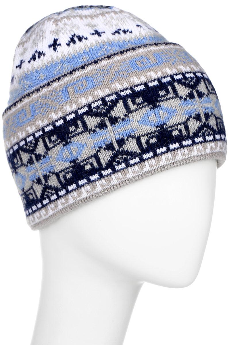 Шапка женская Finn Flare, цвет: светло-серый, голубой, темно-синий. W16-12119_211. Размер 56W16-12119_211Стильная женская шапка Finn Flare дополнит ваш наряд и не позволит вам замерзнуть в холодное время года. Шапка выполнена из высококачественной пряжи, что позволяет ей великолепно сохранять тепло и обеспечивает высокую эластичность и удобство посадки.Модель связана узорами и оформлена брендовой металлической пластиной.
