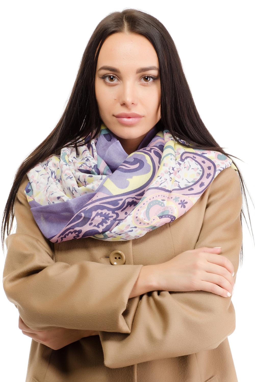 Палантин женский Moltini, цвет: сиреневый, желтый. 12M-1607. Размер 180 см х 70 см12M-1607Женский палантин Moltini изготовлен из модала с добавлением шерсти. Он оформлен принтом с изображением оригинального орнамента и дополнен тонкой бахромой по краю.