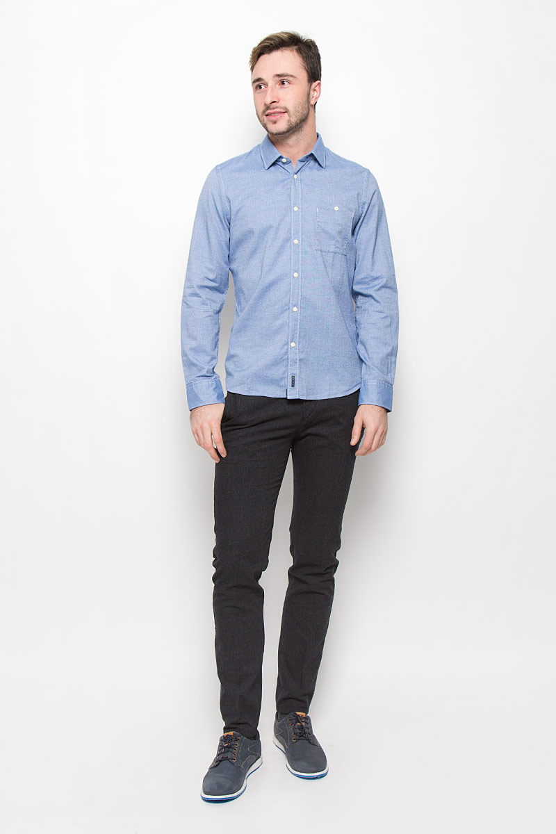 Рубашка мужская Marc OPolo, цвет: голубой. 111242184/G80. Размер L (50)111242184/G80Стильная мужская рубашка Marc OPolo, выполненная из натурального хлопка, позволяет коже дышать, тем самым обеспечивая наибольший комфорт при носке. Модель классического кроя с отложным воротником застегивается на пуговицы по всей длине. Длинные рукава рубашки дополнены манжетами на пуговицах. На груди расположен накладной карман на пуговице.
