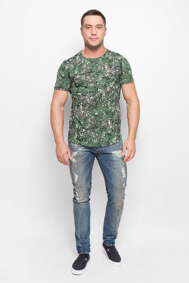 Футболка мужская Tom Tailor Denim, цвет: зеленый. 1036198.00.12_7648. Размер M (48)1036198.00.12_7648Стильная мужская футболка Tom Tailor Denim выполнена из натурального хлопка. Материал очень мягкий и приятный на ощупь, обладает высокой воздухопроницаемостью и гигроскопичностью, позволяет коже дышать. Модель прямого кроя с круглым вырезом горловины оформлена оригинальным принтом.