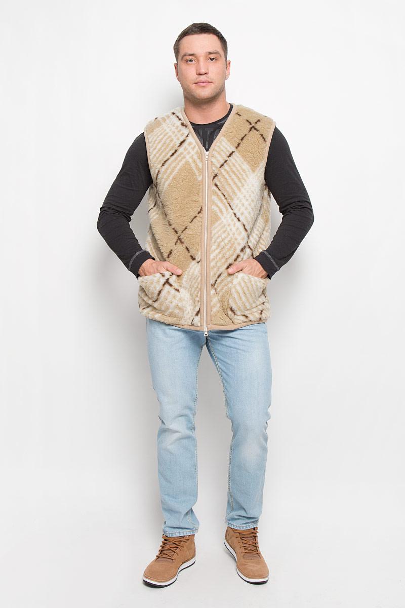 Жилет мужской Holty Рубин, цвет: бежевый, темно-коричневый, молочный. 020150-0300.26. Размер L/XL (52)020150-0300.26Утепленный мужской жилет Holty Рубин выполнен из натуральной овечьей шерсти и оформлен текстильной окантовкой. Модель с V-образным вырезом горловины застегивается на пластиковую застежку-молнию. Спереди жилет дополнен двумя накладными карманами.