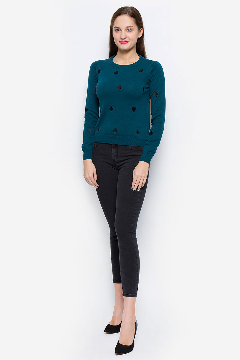 Пуловер женский Vero Moda, цвет: темно-бирюзовый. 10162065. Размер XS (40)10162065_Reflecting PondСтильный женский пуловер Vero Moda выполненный из натурального хлопка замечательно дополнит ваш образ в прохладную погоду. Модель с круглым вырезом горловины и длинными рукавами оформлена оригинальными вышивками. Горловина, низ изделия и манжеты рукавов выполнены резинкой.