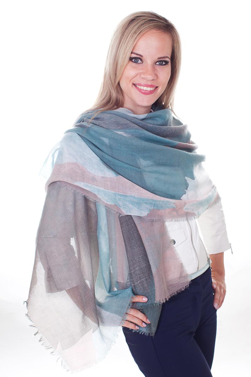 Палантин Sophie Ramage, цвет: синий, серый, голубой. YY-21633-13. Размер 80 см х 180 смYY-21633-13Стильный женский палантин Sophie Ramage станет великолепным завершением любого наряда.Палантин изготовлен из модала с добавлением шерсти и оформлен оригинальным принтом. По краю модель украшена небольшой бахромой. Легкий и изящный палантин поможет вам создать изысканный женственный образ, а также согреет в непогоду.