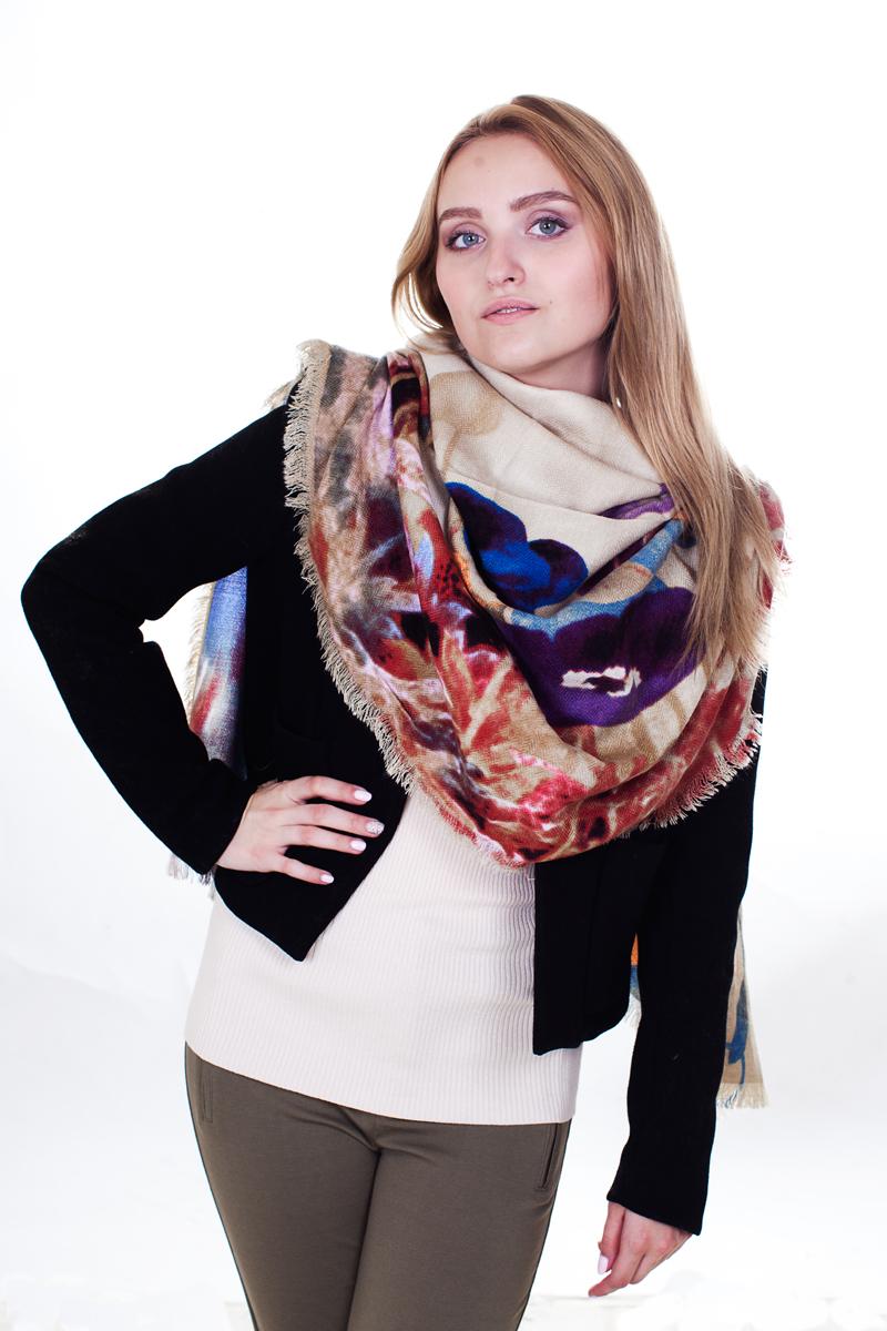 Палантин Sophie Ramage, цвет: бежевый, мультиколор. YY-21611-16. Размер 90 см х 180 смYY-21611-16Стильный женский палантин Sophie Ramage станет великолепным завершением любого наряда.Палантин изготовлен из модала с добавлением шерсти и оформлен цветочным принтом. По краям модель дополнена неширокой бахромой. Изящный палантин поможет вам создать изысканный женственный образ, а также согреет в непогоду.