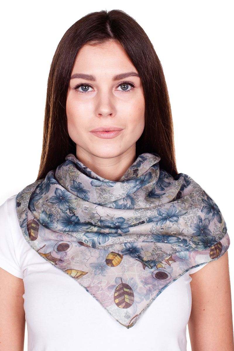 Палантин Sophie Ramage, цвет: светло-серый, сиреневый, синий. YY-21682-30. Размер 100 см х 180 смYY-21682-30Стильный женский палантин Sophie Ramage станет великолепным завершением любого наряда.Палантин изготовлен из 100% вискозы и оформлен нежным принтом. Изящный палантин поможет вам создать изысканный женственный образ, а также согреет в непогоду.