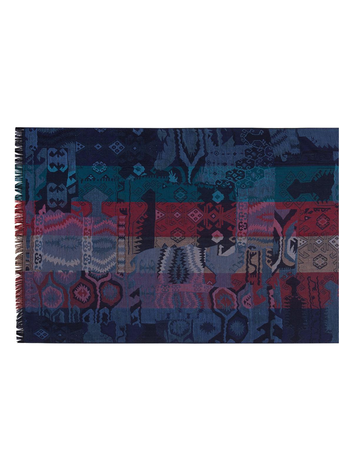 Палантин Labbra, цвет: темно-синий, мультицвет. LSC35-540. Размер 70 см х 180 смLSC35-540Палантин от Labbra изготовлен из шелка с добавлением шерсти и вискозы, оформлен ярким принтом. Изделие с машинной подгибкой, края декорированы бахромой.