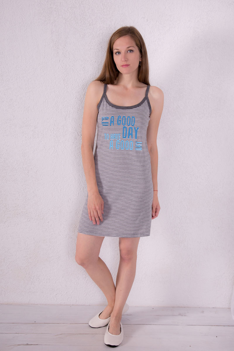 Платье домашнее Violett, цвет: серый. 7117110309. Размер L (48)7117110309Платье домашнее Violett изготовлено из натурального хлопка. Модель на бретельках оформлена принтом в полоску и надписями.
