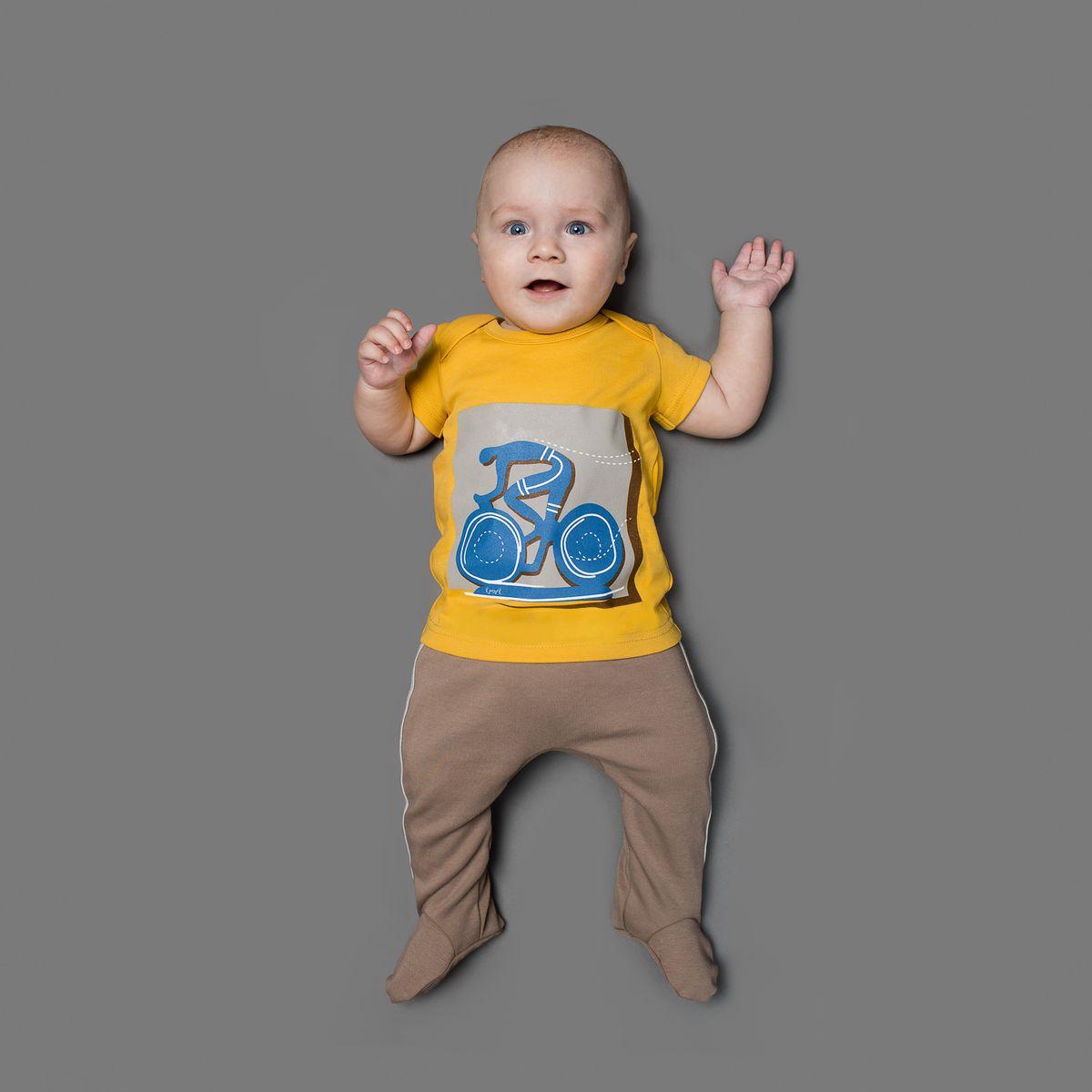 Ползунки для мальчика Ёмаё, цвет: бежевый. 26-252. Размер 6226-252Ползунки для мальчика Ёмаё выполнены из натурального хлопка.Модель с закрытыми ножками подходят для ношения с подгузником и без него. На талии они имеют широкую трикотажную резинку, не сжимающую животик ребенка. Ползунки оформлены контрастными лампасами.