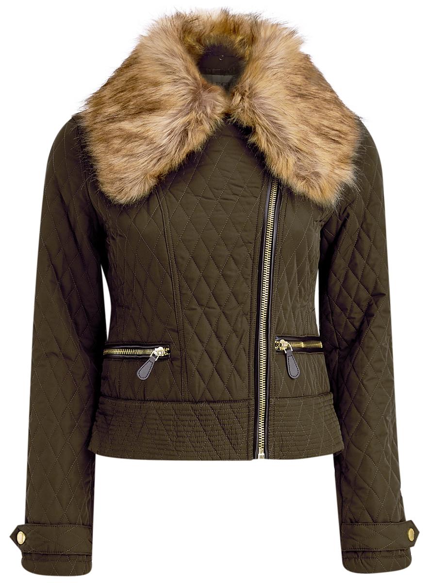 Куртка женская oodji Ultra, цвет: темный хаки. 18304004/45669/6839B. Размер 40 (46-170)18304004/45669/6839BСтильная женская куртка выполнена из полиэстера с утеплителем из тонкого слоя синтепона, застегивается на ассиметричную молнию. Модель с отложным воротником, дополненным искусственным мехом, который пристегивается при помощи пуговиц. Спереди куртка оснащена двумя карманами на молниях. Манжеты рукавов дополнены хлястиками на кнопках.