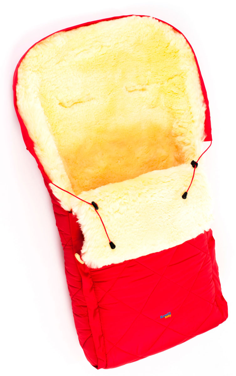 Конверт в коляску Ramili Baby Classic, цвет: красный. CL10RED. Размер универсальныйCL10REDДетский меховой конверт в коляску Ramili Baby Classic изготовлен из прочной микрофибры и высококачественной натуральной овчины.Конверт оснащен одной молнией и раскладывается на два автономных коврика. Верхняя часть фиксируется при помощи деревянных пуговиц. Овчина специальной выделки, в которой отсутствуют вредные вещества и тяжелые металлы, гипоаллергенна, отлично сохраняет тепло, обеспечивает циркуляцию воздуха внутри изделия. Детский конверт может использоваться с самого рождения. Конверт имеет 6 прорезей для ремня.Верхняя часть конверта собирается в капюшон при помощи шнурка-кулиски. Конверт расширен области головы, чем обеспечивается дополнительная защита от холода.