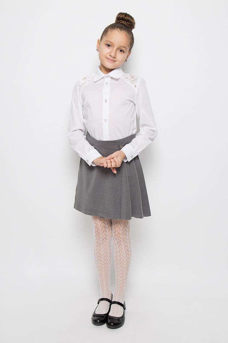 Юбка для девочки Nota Bene, цвет: серый. CWA26003B-20. Размер 146CWA26003A-20/CWA26003B-20Стильная юбка для девочки Nota Bene идеально подойдет для школы и повседневной носки. Изготовленная из высококачественного материала, она необычайно мягкая и приятная на ощупь, не сковывает движения и позволяет коже дышать, не раздражает даже самую нежную и чувствительную кожу ребенка, обеспечивая наибольший комфорт. Юбка с запахом застегивается на две пуговицы, вторая пуговица потайная. Размер модели в поясе регулируется вшитой резинкой. Классический фасон юбки дополнен складками с одной стороны.Такая юбка - незаменимая вещь для школьной формы, отлично сочетается с блузками и пиджаками.
