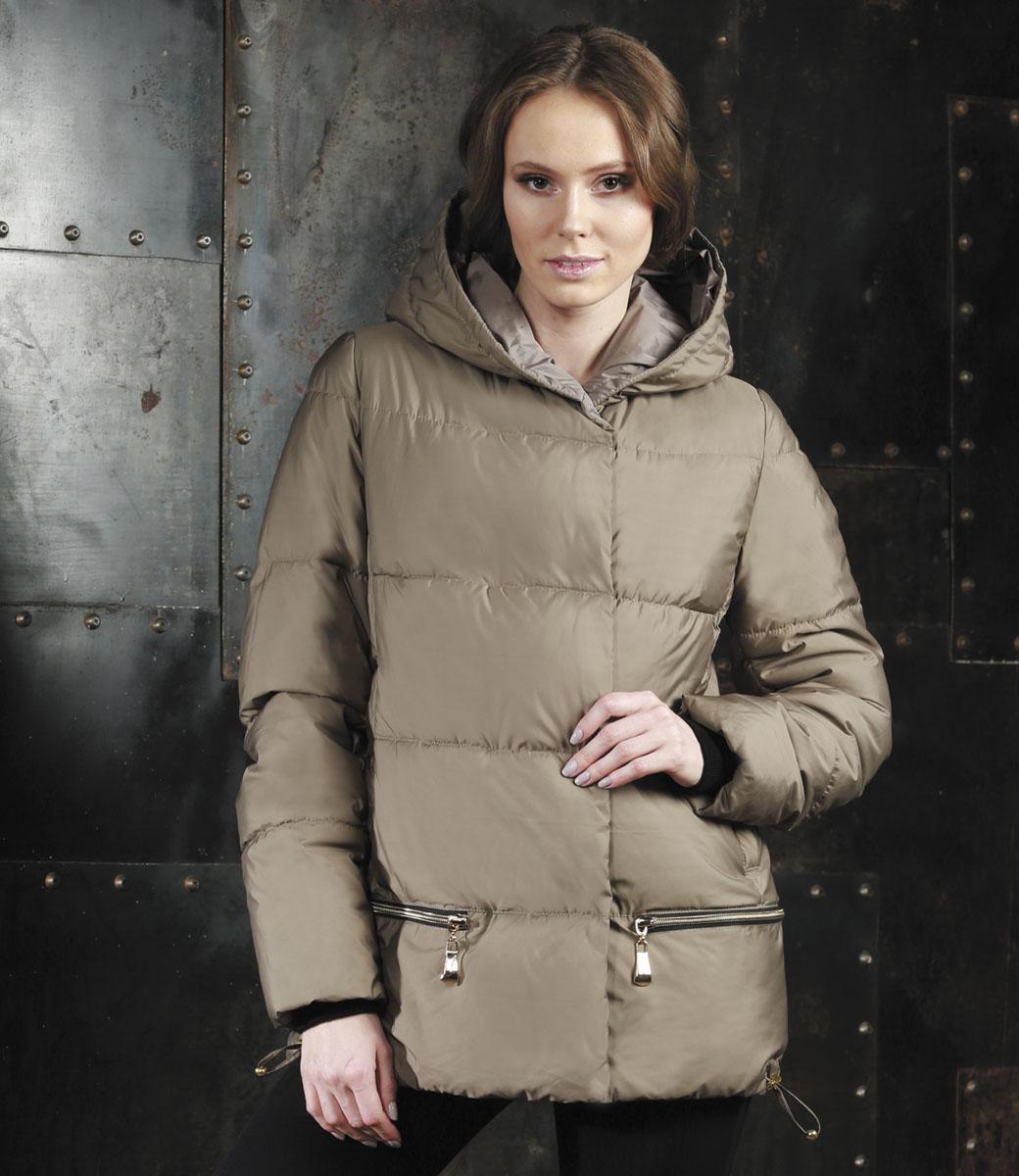 Куртка женская Grishko, цвет: темно-бежевый. AL-2965/1. Размер M (46)AL-2965/1Стильная женская куртка Grishko изготовлена из полиамида. В качестве утеплителя используется полиэфирное волокно. Куртка с несъемным капюшоном, оформленным съемным натуральным мехом енота, застегивается на застежку-молнию и на ветрозащитный клапан с кнопками. Спереди расположены два прорезных кармана на кнопках. Нижняя часть модели регулируется с помощью шнурка со стопперами.