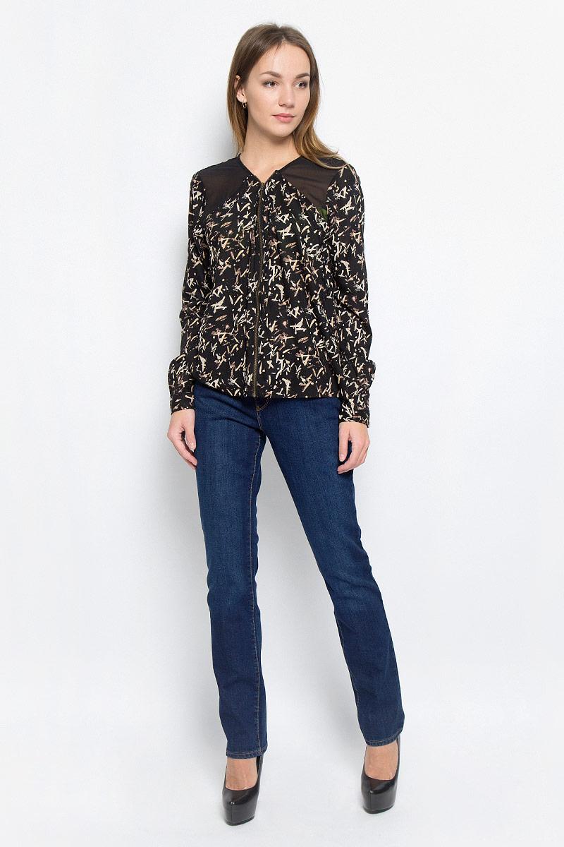 Джинсы женские Wrangler Drew, цвет: темно-синий. W24SX479G. Размер 28-32 (44-32)W24SX479GСтильные женские джинсы Wrangler Drew станут отличным дополнением к вашему гардеробу. Изготовленные из хлопка с добавлением эластана, они мягкие и приятные на ощупь, не сковывают движения и позволяют коже дышать. Джинсы прямого кроя по поясу застегиваются на металлическую пуговицу и имеют ширинку на застежке-молнии, а также шлевки для ремня. Модель имеет классический пятикарманный крой: спереди - два втачных кармана и один маленький накладной, а сзади - два накладных кармана. Изделие оформлено контрастной отстрочкой и легкими потертостями.Современный дизайн и расцветка делают эти джинсы модным предметом одежды. Это идеальный вариант для тех, кто хочет заявить о себе и своей индивидуальности и отразить в имидже собственное мировоззрение.