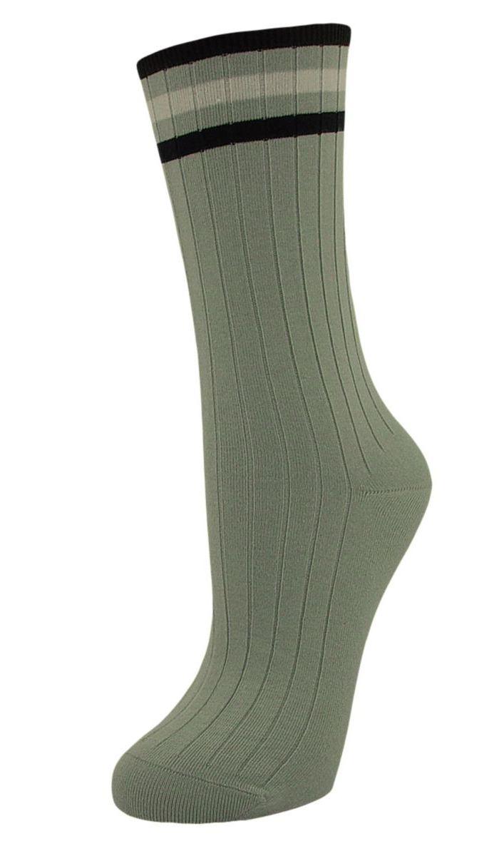 Носки женские Гранд, цвет: серо-зеленый, 2 пары. SCL73. Размер 23/25SCL73Женские носки Гранд с медицинской резинкой изготовлены по специальной технологии для людей, страдающих заболеваниями ног, а также для тех, кто думает о своем здоровье и хочет предотвратить эти заболевания. Носки предназначены для оздоровления ног и профилактики венозной недостаточности, а также для снятия синдрома тяжести в ногах. Данная модель медицинских носков мягкая, удобная, эластичная. Хорошо держит форму и обладает повышенной воздухопроницаемостью. Функция отвода влаги позволяет сохранить ноги сухими. Используя европейские стандарты на современных вязальных автоматах, компания Гранд предоставляет покупателю высокое качество изготавливаемой продукции.