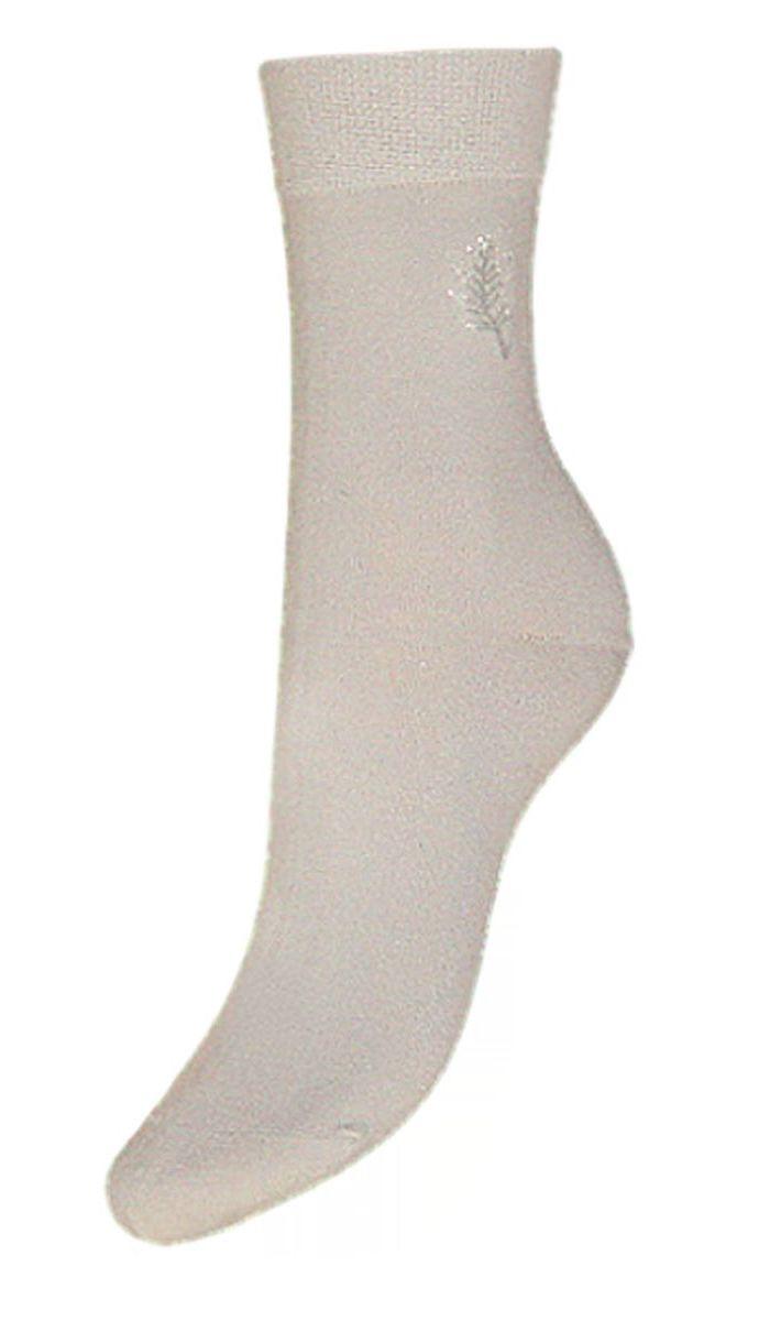 Носки женские Гранд, цвет: серый, 2 пары. SCL46. Размер 23/25SCL46Женские носки Гранд выполнены из высококачественного хлопка, предназначены для повседневной носки. Носки с бесшовной технологией зашивки мыска (кеттельный шов), оформленные на паголенке текстурным рисунком листочек, изготовлены по европейским стандартам из самой лучшей гребенной пряжи, хорошо держат форму и обладают повышенной воздухопроницаемостью, имеют безупречный внешний вид, усиленные пятку и мысок для повышенной износостойкости, после стирки не меняют цвет. Благодаря свойствам эластана, не теряют первоначальный вид. Носки долгое время сохраняют форму и цвет, а так же обладают антибактериальными и терморегулирующими свойствами.