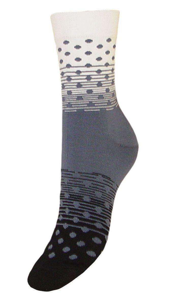 Носки женские Гранд, цвет: черный, серый, 2 пары. SCL57. Размер 23/25SCL57Женские носки Гранд выполнены из высококачественного хлопка, предназначены для повседневной носки. Носки, оформленные рисунком горох, изготовлены по европейским стандартам из лучшей гребенной пряжи, имеют классический паголенок, безупречный внешний вид, усиленные пятку и мысок для повышенной износостойкости, после стирки не меняют цвет. Носки долгое время сохраняют форму и цвет, а так же обладают антибактериальными и терморегулирующими свойствами.