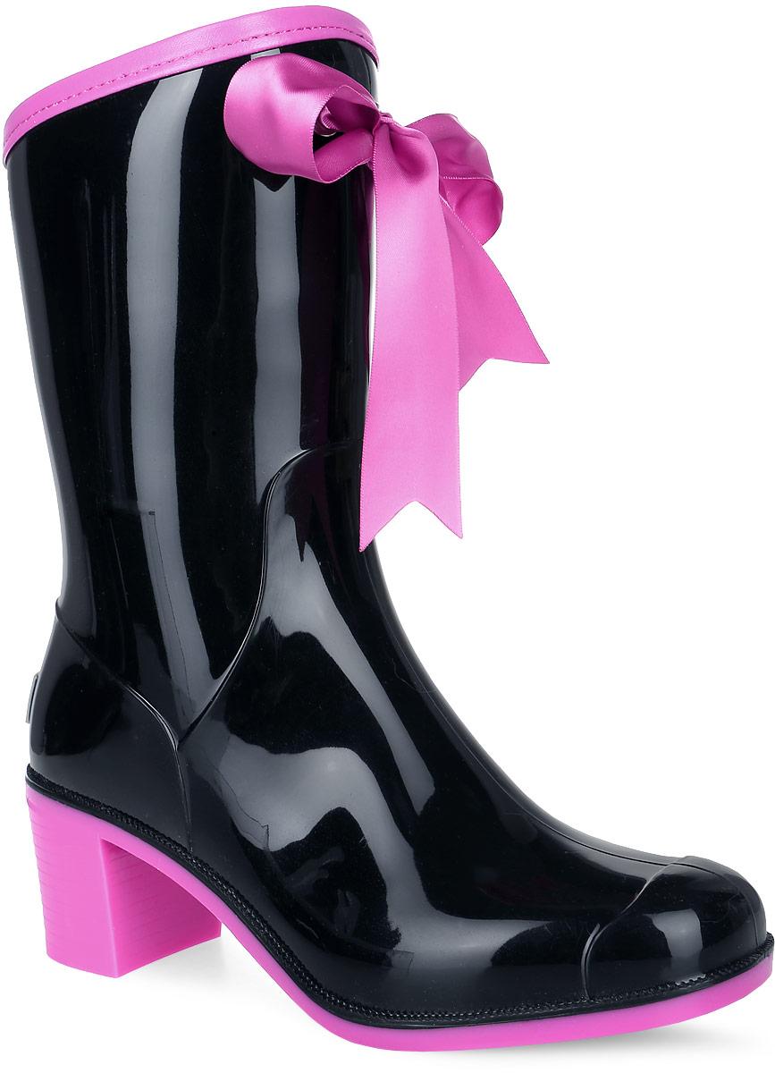 Резиновые сапоги женские Boomboots, цвет: черный, розовый. G59/Black&Pink_warm. Размер 36G59/Black&Pink_warmРезиновые сапоги на каблуке от Boomboots выполнены из поливинилхлорида. Цельнолитая модель полностью герметична. Подкладка и стелька изготовлены из мягкого ворсина. Верх голенища декорирован атласным бантом и дополнен окантовкой из искусственной кожи контрастного цвета. Модель на застежке-молнии. Задник декорирован логотипом бренда. Подошва оснащена рифлением.