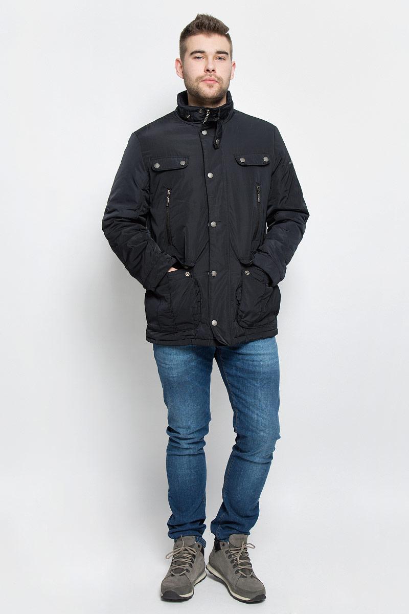 Куртка мужская Baon, цвет: черный. B536524. Размер L (50)B536524_BLACKМужская куртка Baon изготовлена из высококачественного полиэстера. В качестве утеплителя и подкладки используется полиэстер.Куртка с воротником-стойкой застегивается на застежку-молнию и дополнительно имеет ветрозащитную планку на кнопках. Низ рукавов дополнен манжетами на кнопках. Спереди имеется два накладных кармана с клапанами на кнопках и два прорезных кармана на застежках-молниях, с внутренней стороны - два прорезных кармана на застежках-молниях. Модель оформлена декоративными клапанами и металлическим значком с названием бренда.