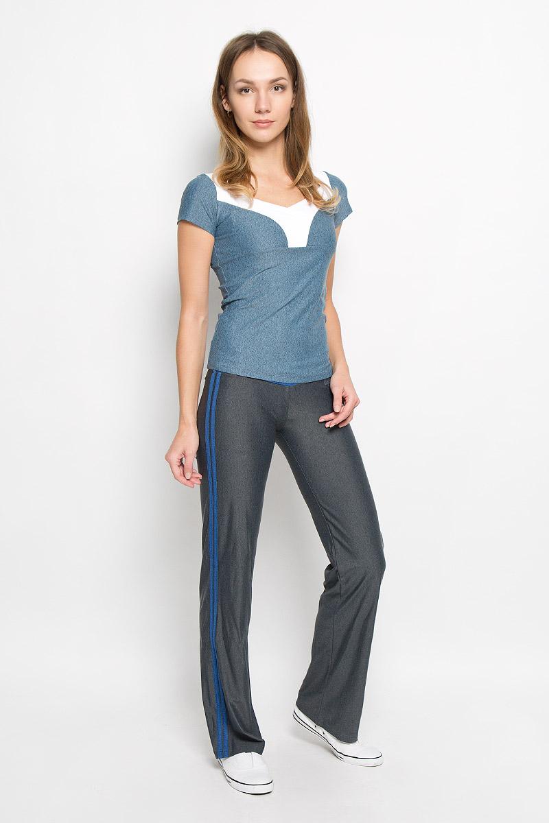 Брюки спортивные женские Grishko, цвет: серый, синий. AL-2905. Размер S (44)AL-2905Спортивные брюки из линии Grishko Fitness. Модель выполнена из шелковистого, приятного на ощупь меланжированного полиамида с лайкрой в оптимальном для спортивных нагрузок сочетании. Материал не сковывает движений и подчеркивает спортивное телосложение за счет визуально корректирующих фигуру линий и кантов. Модель оформлена контрастными лампасами.