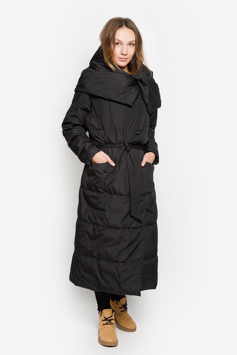 Пальто женское Finn Flare, цвет: черный. W16-170090_200. Размер XL/XXL (52)W16-170090_200Стильное женское пальто Finn Flare изготовлено из высококачественного полиэстера. В качестве утеплителя используется полиэстер. Пальто с объемным воротником-хомут застегивается на кнопки. Спереди расположены два прорезных кармана на застежках-молниях. Модель дополнена поясом на талии.