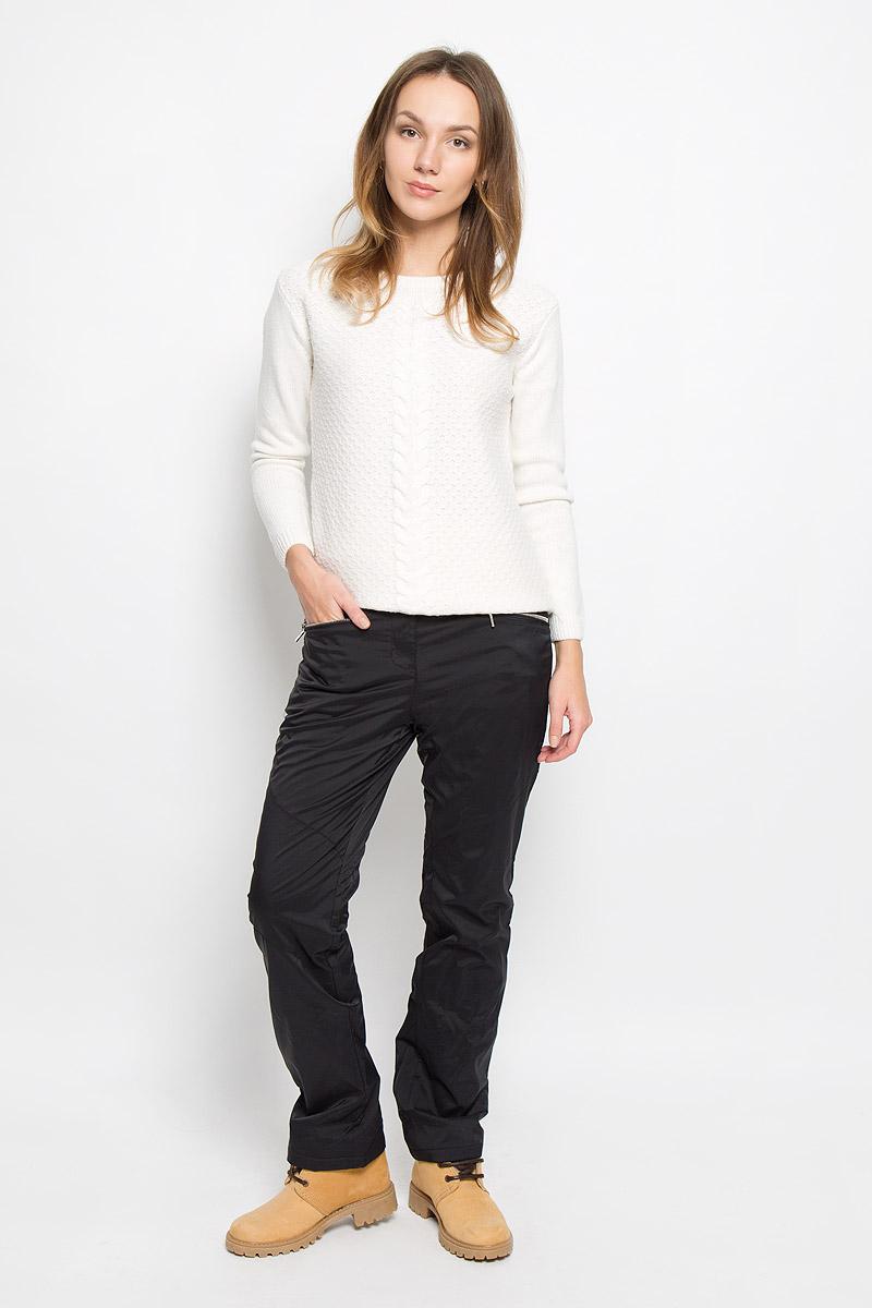 Брюки женские Baon, цвет: черный. B296530. Размер L (48)B296530_BLACKЖенские брюки Baon отлично подойдут для холодной погоды. Модель выполнена водоотталкивающей ткани на мягкой флисовой подкладке. Брюки застегиваются на кнопку в поясе и имеют ширинку на застежке-молнии, также имеются шлевки для ремня. Спереди модель дополнена двумя врезными карманами на застежках-молниях.