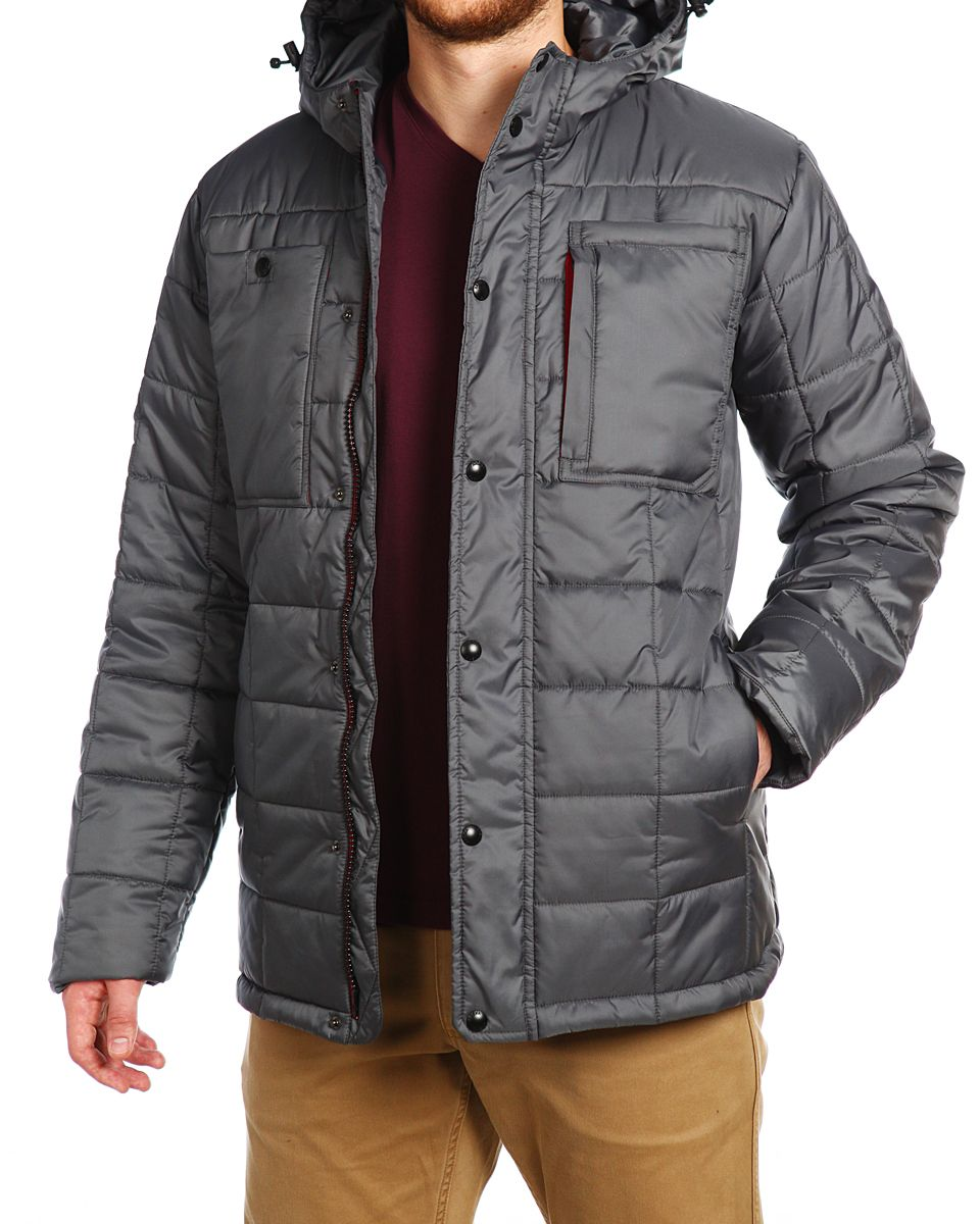 Куртка мужская Xaska, цвет: сеpый. 15506. Размер 5215506_SiltstoneМужская куртка Xaska изготовлена из высококачественного полиэстера. В качестве утеплителя используется полиэстер. Куртка с несъемным капюшоном застегивается на застежку-молнию, а также дополнительно имеет ветрозащитную планку на кнопках. Капюшон оснащен текстильным шнурком со стопперами. Рукава дополнены внутренними эластичными манжетами. Спереди расположены два накладных кармана и три прорезных. Внутри изделие дополнено двумя прорезными карманами на застежках-молниях.
