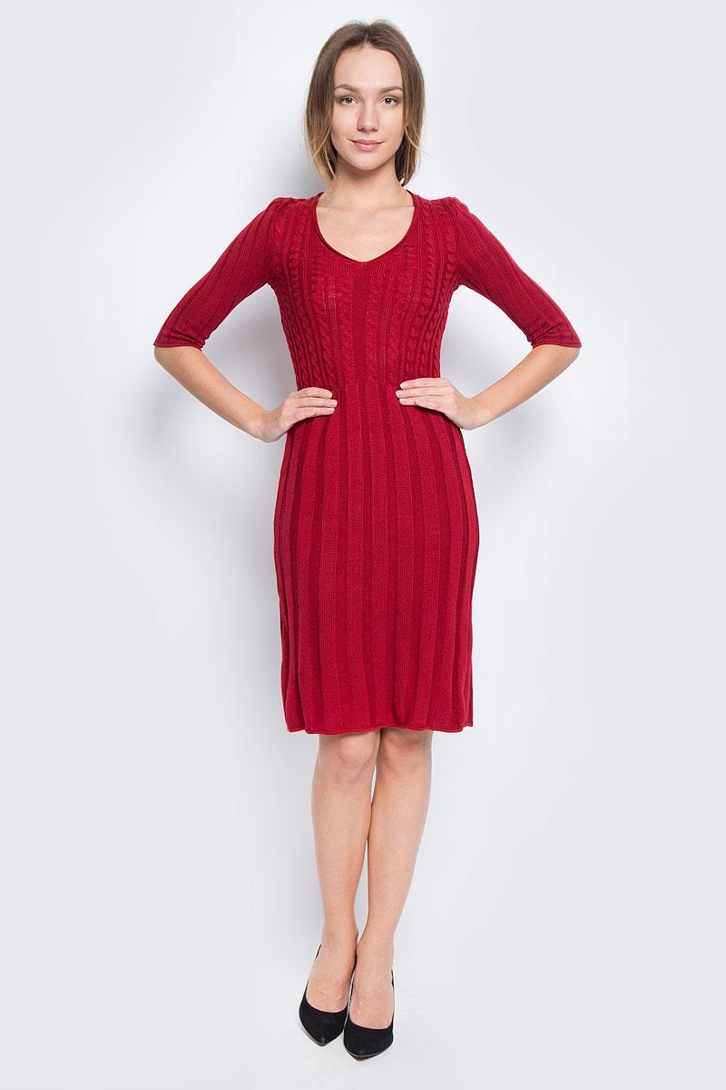 Платье Milana Style, цвет: бордовый. 1364. Размер L (48)1364Платье Milana Style выполнено из ПАН с добавлением шерсти. Вязаная модель средней длины с рукавами по локоть имеет V-образный вырез горловины. Платье оформлено объемным вязаным узором.
