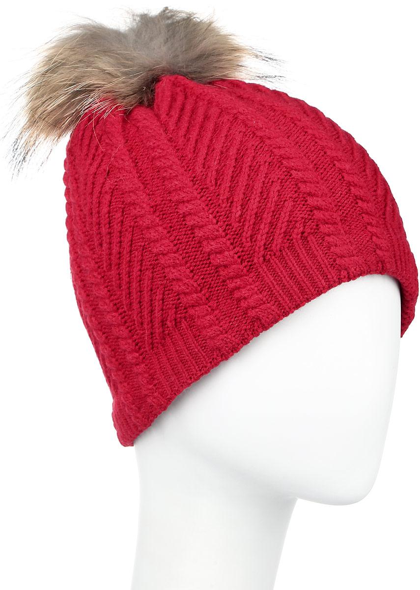 Шапка женская Finn Flare, цвет: темно-красный. W16-11135_305. Размер 56W16-11135_305Стильная женская шапка Finn Flare дополнит ваш наряд и не позволит вам замерзнуть в холодное время года. Шапка выполнена из высококачественной пряжи, что позволяет ей великолепно сохранять тепло и обеспечивать высокую эластичность и удобство посадки. Подкладка изготовлена из мягкого флиса. Модель оформлена брендовой металлической пластиной и дополнена помпоном из натурального меха.