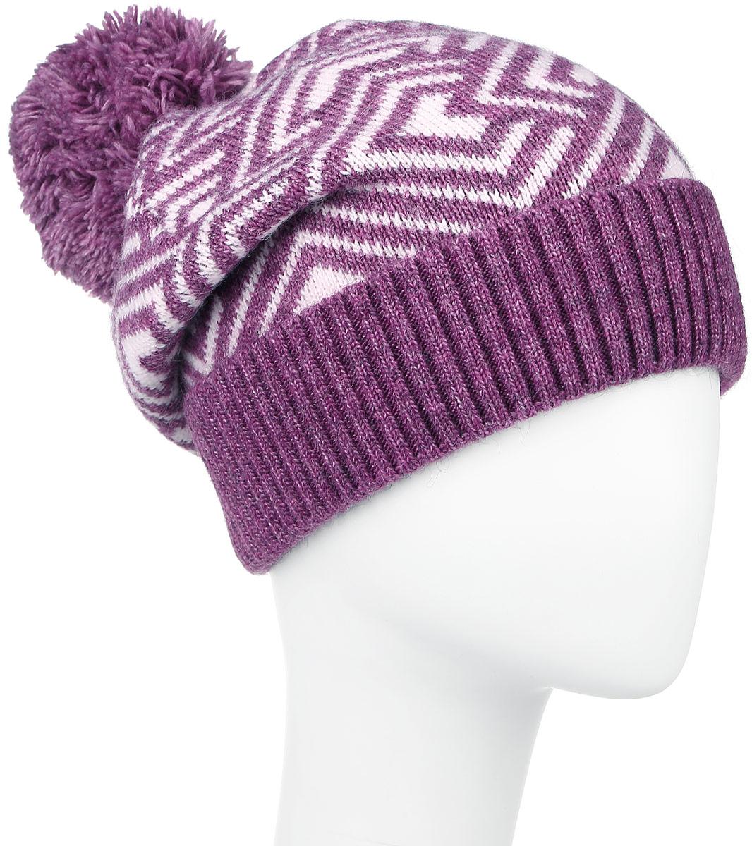 Шапка женская Finn Flare, цвет: белый, лиловый. W16-32120_803. Размер 56W16-32120_803Стильная женская шапка Finn Flare дополнит ваш наряд и не позволит вам замерзнуть в холодное время года. Шапка выполнена из высококачественной пряжи, что позволяет ей великолепно сохранять тепло и обеспечивает высокую эластичность и удобство посадки. Модель оформлена брендовой металлической пластиной и дополнена пушистым помпоном. Уважаемые клиенты!Размер, доступный для заказа, является обхватом головы.