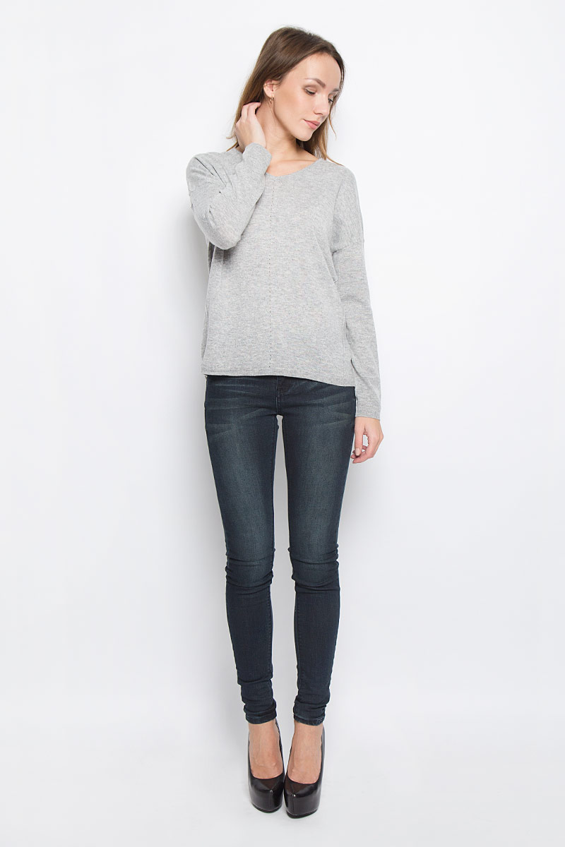 Пуловер женский Broadway Raygan, цвет: светло-серый. 10156854_807. Размер S (44)10156854_807Стильный женский пуловер, выполненный из полиакрила и нейлона с добавлением шерсти, отлично подойдет для прохладной погоды. Модель с V-образным вырезом горловины и длинными рукавами оформлена декоративными швами. Низ изделия и манжеты рукавов связаны резинкой.