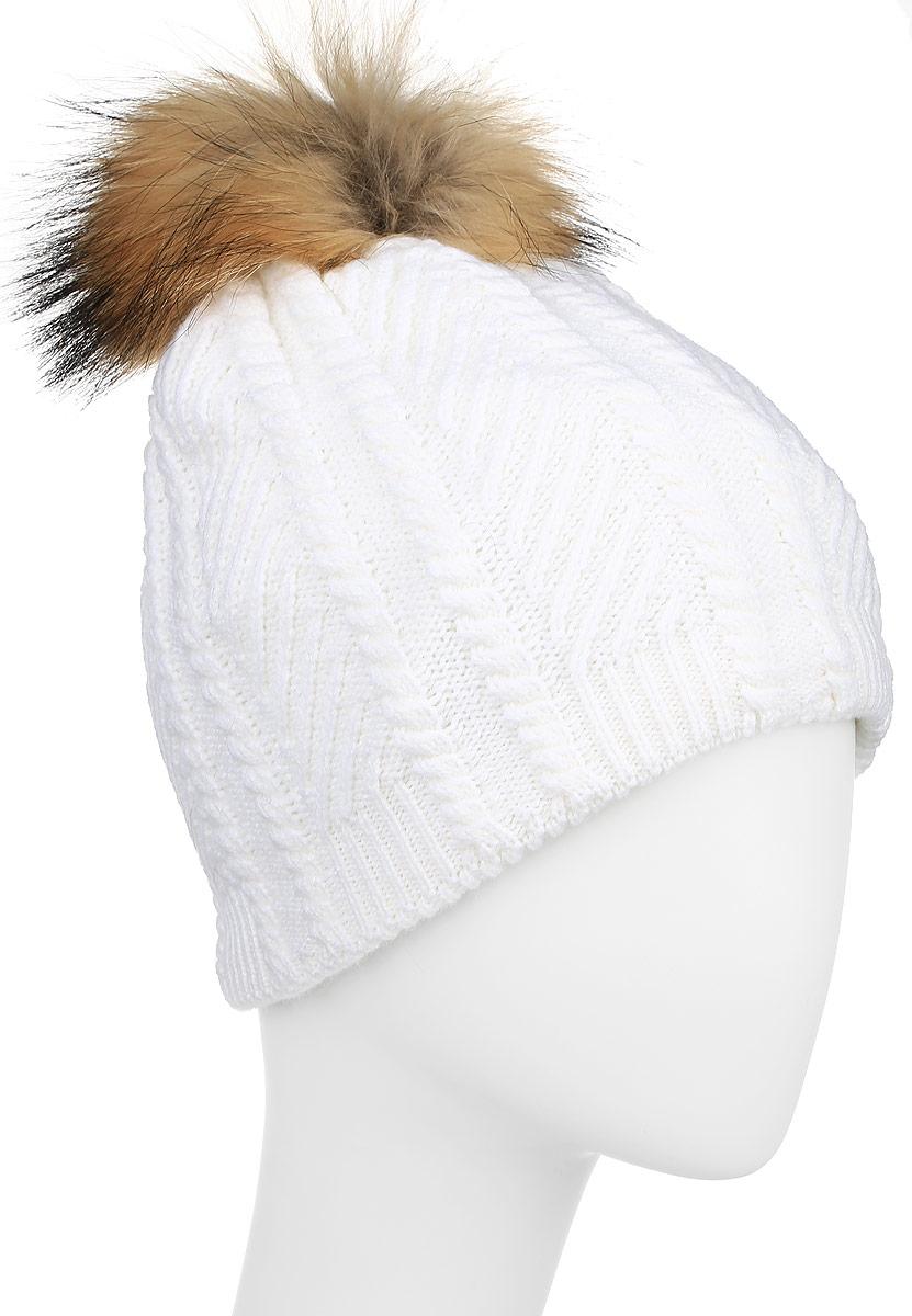 Шапка женская Finn Flare, цвет: белый. W16-11135_201. Размер 56W16-11135_201Стильная женская шапка Finn Flare дополнит ваш наряд и не позволит вам замерзнуть в холодное время года. Шапка выполнена из высококачественной пряжи, что позволяет ей великолепно сохранять тепло и обеспечивать высокую эластичность и удобство посадки. Подкладка изготовлена из мягкого флиса. Модель оформлена брендовой металлической пластиной и дополнена помпоном из натурального меха.