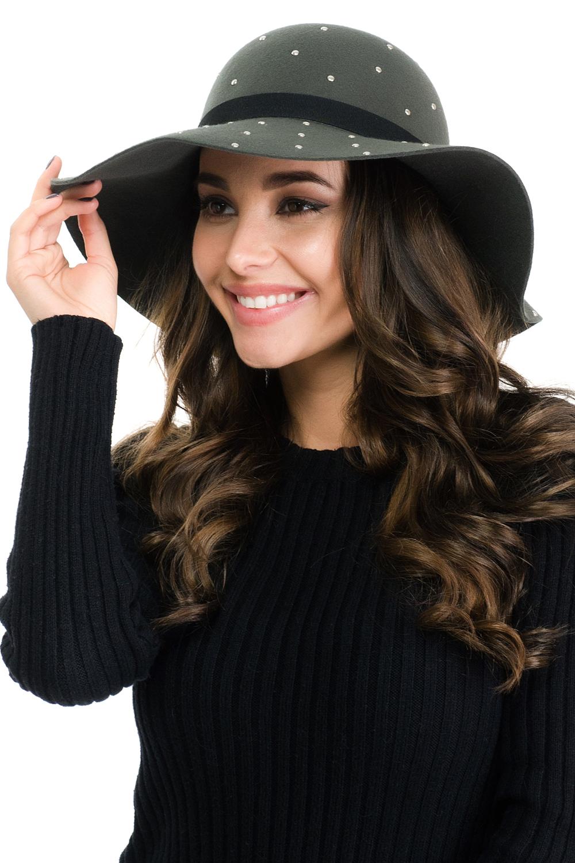 Шляпа женская Moltini, цвет: серо-зеленый. 141E-1604. Размер 57/58141E-1604Элегантная женская шляпа Moltini, выполненная из высококачественного тонкого фетра, дополнит любой образ. Модель с невысокой тульей и загнутыми вниз полями. Шляпа-клош оформлена металлическими клепками, а по тулье дополнена тонким тканевым ремешком. Аккуратные поля шляпы придадут вашему образу таинственности и шарма.