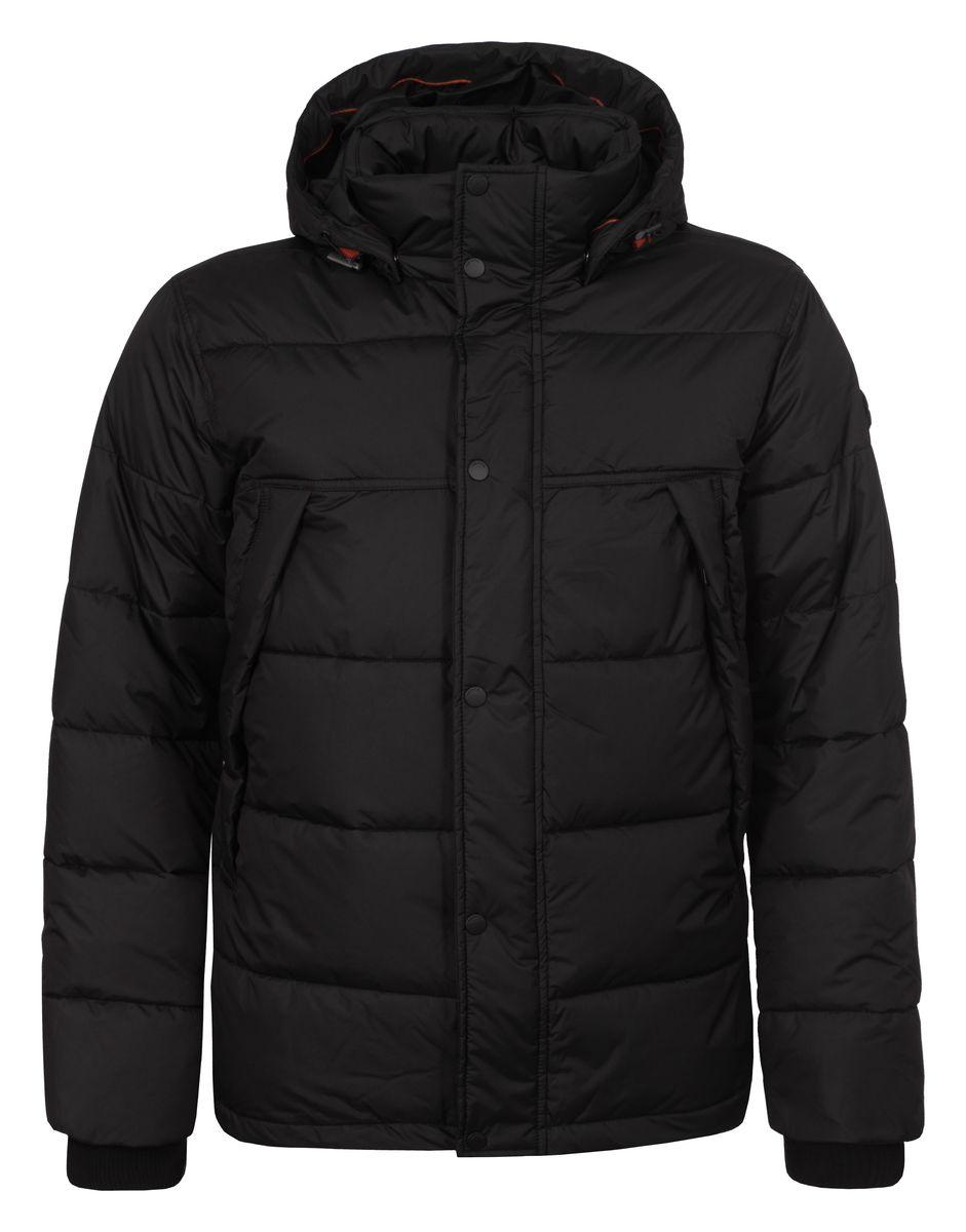 Куртка мужская Luhta Paul, цвет: черный. 636567355LV. Размер L (52)636567355LVМужская куртка Luhta Paul с длинными рукавами, воротником-стойкой и съемным капюшоном на кнопках выполнена из полиэстера. Наполнитель - синтепон. Куртка застегивается на застежку-молнию спереди и имеет ветрозащитный клапан на кнопках. Изделие оснащено двумя втачными карманами на молниях спереди, а также внутренним втачным карманом на молнии. Рукава дополнены внутренними трикотажными манжетами. Объем капюшона регулируется при помощи шнурка-кулиски. Низ изделия также оснащен шнурком-кулиской.