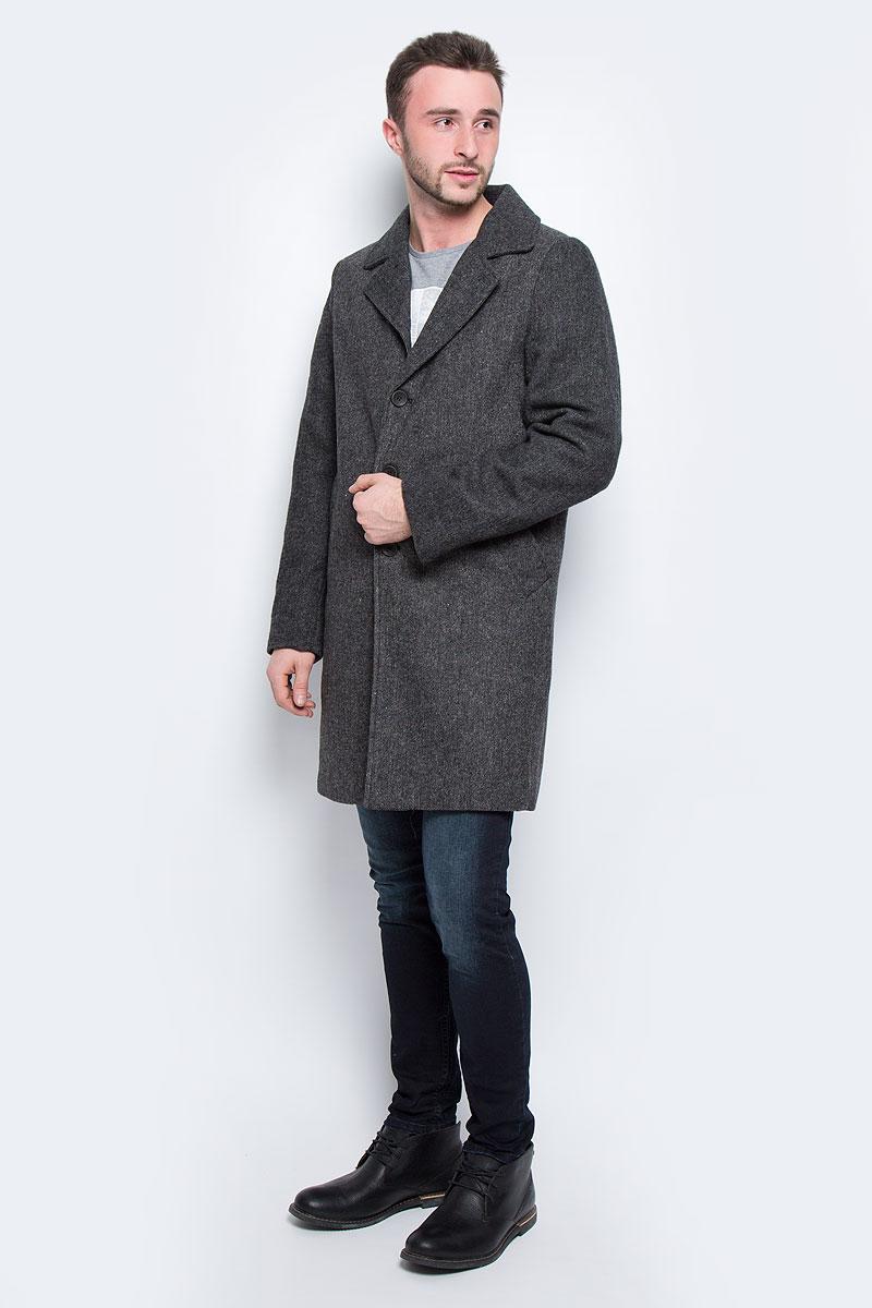 Пальто мужское Broadway Stanto, цвет: темно-серый. 20100464_999. Размер L (50)20100464_999Мужское пальто Broadway Stanto с длинными рукавами и воротником с лацканами выполнено из шерсти с добавлением полиэстера. Наполнитель - синтепон.Пальто застегивается на пуговицы спереди. Изделие дополнено двумя втачными карманами спереди и внутренним втачным карманом.