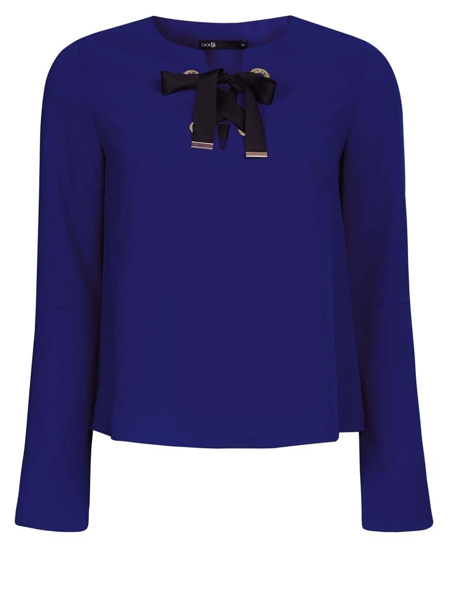 Блузка женская oodji Ultra, цвет: синий. 11401256/45994/7500N. Размер 42 (48-170)11401256/45994/7500NЖенская блузка oodji Ultra выполнена из высококачественного комбинированного материала. Модель с круглым вырезом горловины и рукавами-колокол, на груди декорирована контрастной лентой-шнуровкой,