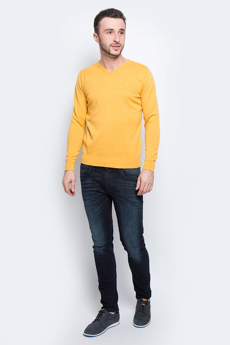 Джемпер мужской Tom Tailor, цвет: желтый. 3021321.00.10_3574. Размер M (48)3021321.00.10_3574Мужской джемпер Tom Tailor с V-образным вырезом горловины и длинными рукавами изготовлен из высококачественной пряжи из хлопка.Манжеты рукавов, низ и горловина джемпера связаны резинкой.