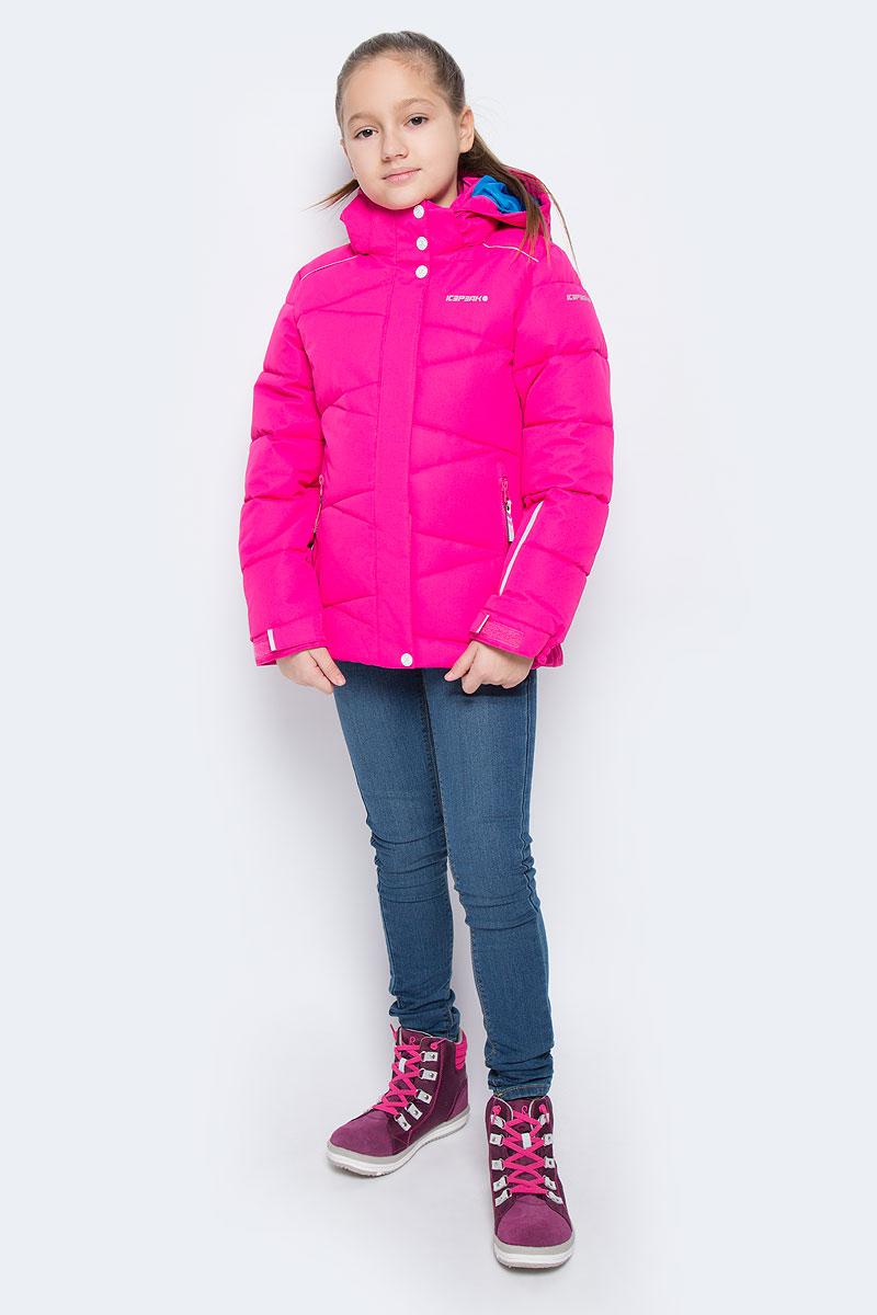 Куртка для девочки Icepeak Nikki Jr, цвет: розовый. 650022553IV. Размер 164650022553IVКуртка для девочки Icepeak Nikki Jr выполнена из прочного текстиля с водонепроницаемой и воздухопроницаемой мембраной Icemax 10000/5000 г/м2 /24 ч, которая защищает от ветра и влаги даже в экстремальных условиях. Модель с капюшоном и воротником стойкой застегивается на молнию с защитой подбородка и дополнена двойным ветрозащитным клапаном на липучках. Капюшон пристегивается при помощи кнопок. Манжеты рукавов регулируются по ширине за счет хлястиков с липучками. Спереди модель дополнена двумя прорезными карманами на застежках-молниях, на рукаве имеется скрытый карман на молнии, с внутренней стороны расположен один накладной карман и один врезной карман на молнии. Куртка оснащена светоотражающими элементами.Водонепроницаемая мембрана 10000 mm.