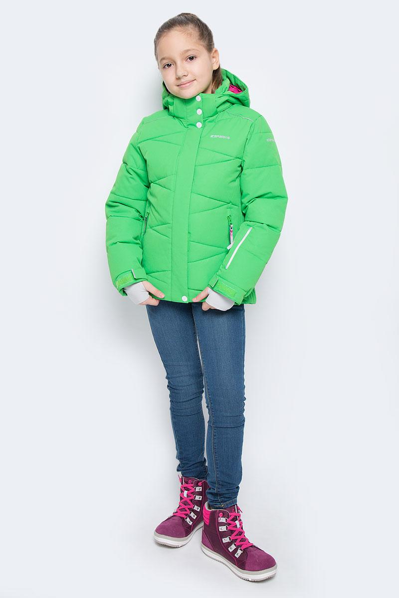 Куртка для девочки Icepeak Nikki Jr, цвет: светло-зеленый. 650022553IV. Размер 152650022553IVКуртка для девочки Icepeak Nikki Jr выполнена из прочного текстиля с водонепроницаемой и воздухопроницаемой мембраной Icemax 10000/5000 г/м2 /24 ч, которая защищает от ветра и влаги даже в экстремальных условиях. Модель с капюшоном и воротником стойкой застегивается на молнию с защитой подбородка и дополнена двойным ветрозащитным клапаном на липучках. Капюшон пристегивается при помощи кнопок. Манжеты рукавов регулируются по ширине за счет хлястиков с липучками. Спереди модель дополнена двумя прорезными карманами на застежках-молниях, на рукаве имеется скрытый карман на молнии, с внутренней стороны расположен один накладной карман и один врезной карман на молнии. Куртка оснащена светоотражающими элементами.Водонепроницаемая мембрана 10000 mm.