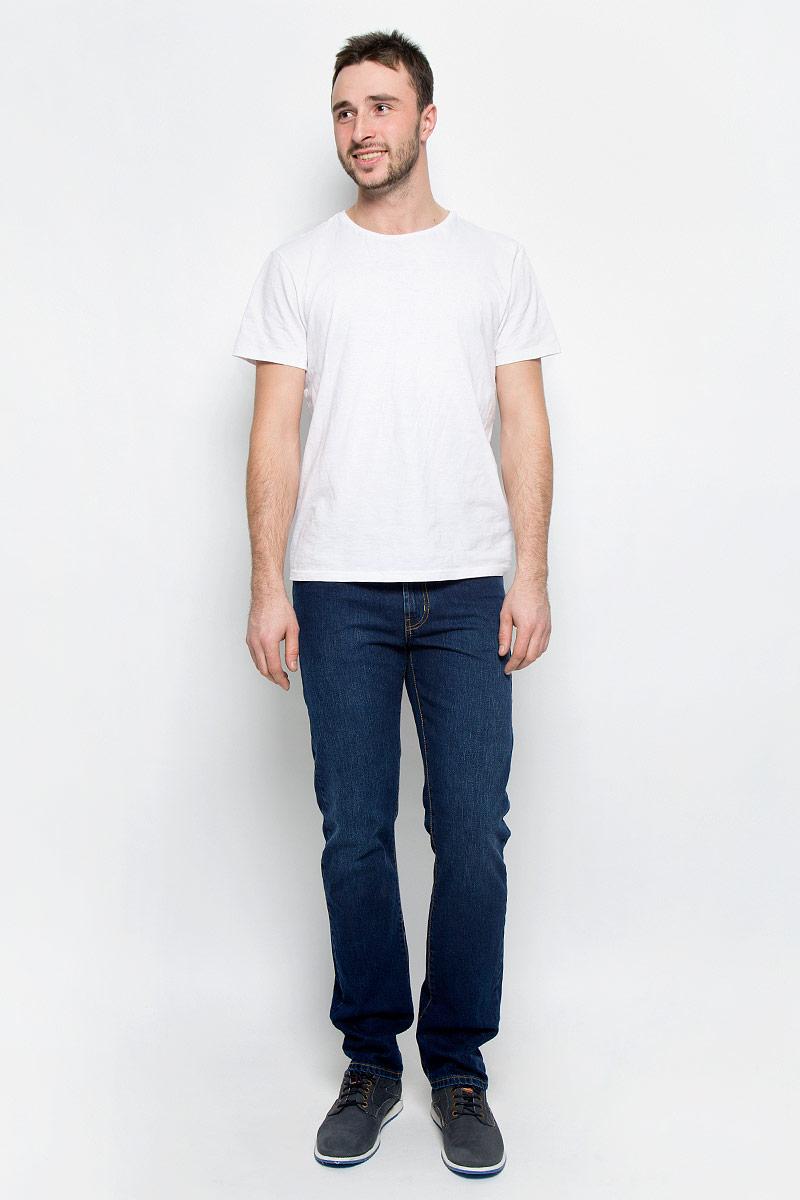 Джинсы мужские F5, цвет: синий. 265038_0965/L. Размер 29-32 (44/46-32)265038_0965/L_Blue denim Sesto, w.darkМужские джинсы F5 выполнены из высококачественного натурального хлопка. Джинсы прямого кроя и стандартной посадки застегиваются на пуговицу в поясе и ширинку на застежке-молнии, дополнены шлевками для ремня. Джинсы имеют классический пятикарманный крой: спереди модель дополнена двумя втачными карманами и одним маленьким накладным кармашком, а сзади - двумя накладными карманами.