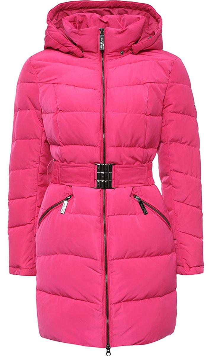 Пальто женское Finn Flare, цвет: ярко-розовый. W16-12017_334. Размер XL (50)W16-12017_334Стильное женское пальто Finn Flare изготовлено из высококачественного полиэстера. В качестве утеплителя используется пух с добавлением пера.Модель с воротником-стойкой и съемным капюшоном застегивается на застежку-молнию. Капюшон, дополненный регулирующим эластичным шнурком, пристегивается к пальто с помощью кнопок. Спереди расположены два прорезных кармана на застежках-молниях. На талии модель дополнена эластичным поясом с металлической пряжкой.
