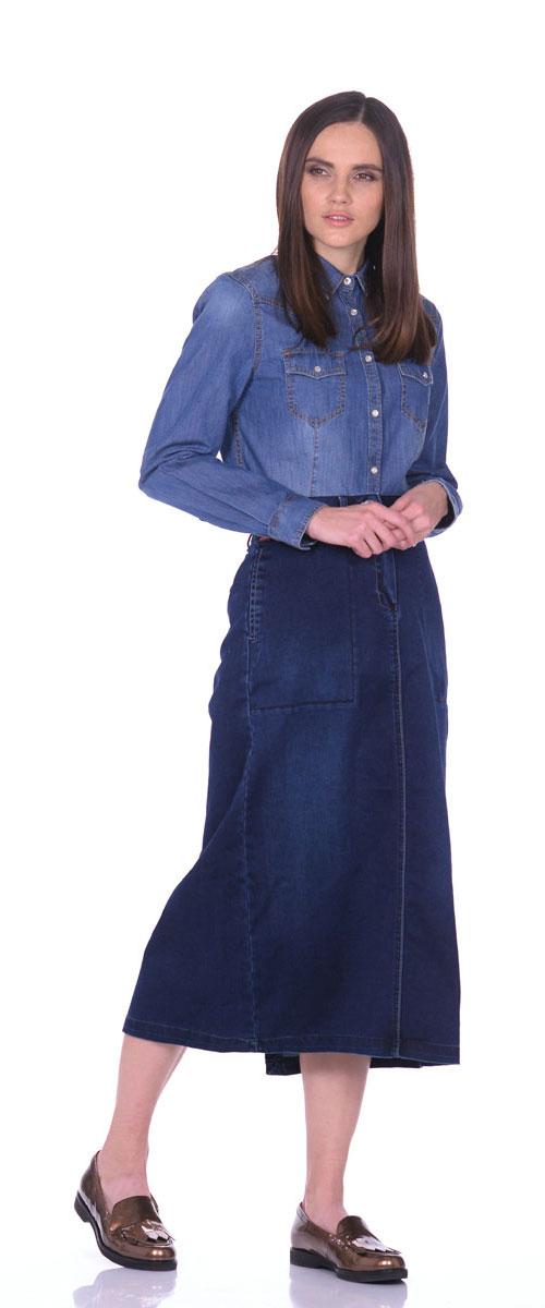 Юбка Montana, цвет: синий джинс. 13553. Размер L (48)13553_Middle StoneДжинсовая юбка Montana выполнена из сочетания высококачественных материалов. Модель классического прямого кроя застегивается на ширинку-молнию и две металлические пуговицы, также в поясе имеются шлевки для ремня. Стильная и практичная в носке юбка оформлена двумя прорезными карманами спереди и двумя прорезными карманами с клапанами на кнопках сзади. Модель дополнена большим разрезом.