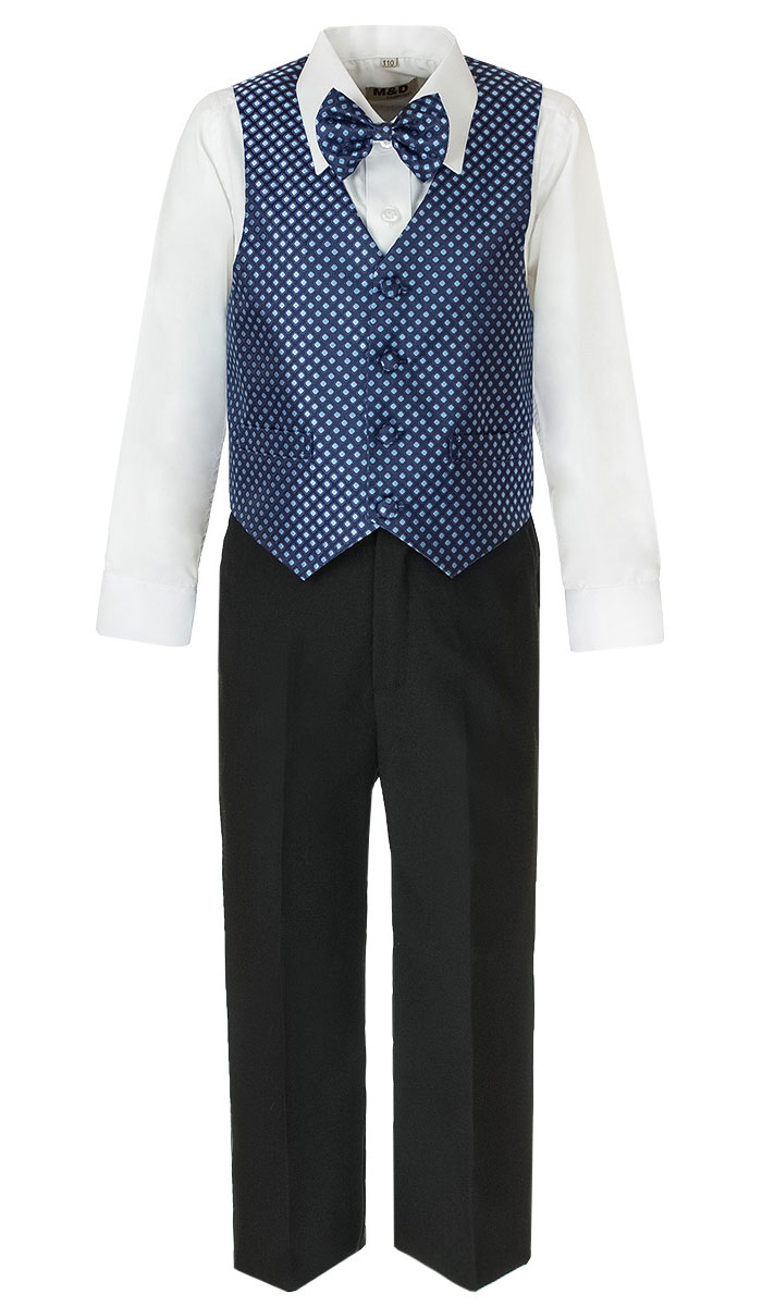 Костюм для мальчика M&D, цвет: темно-синий, черный, белый. HWI170061-29. Размер 98HWI170061-29Костюм для мальчика M&D изготовлен из полиэстера с добавлением модала и хлопка. Костюм включает в себя рубашку, брюки, жилет и галстук-бабочку. Рубашка с отложным воротником и длинными рукавами застегивается на пуговицы. Манжеты рукавов оснащены застежками-пуговицами. На груди расположен накладной карман. Брюки классического кроя и стандартной посадки застегиваются на пуговицу в поясе и ширинку на застежке-молнии. На поясе имеются шлевки для ремня. Пояс по бокам присборен на резинки. Брюки дополнены втачными карманами. Жилет с V-образным вырезом горловины застегивается на пуговицы. Спереди расположены два прорезных кармана. Галстук-бабочка оснащен эластичной резинкой. Жилет и галстук-бабочка оформлены оригинальным принтом.