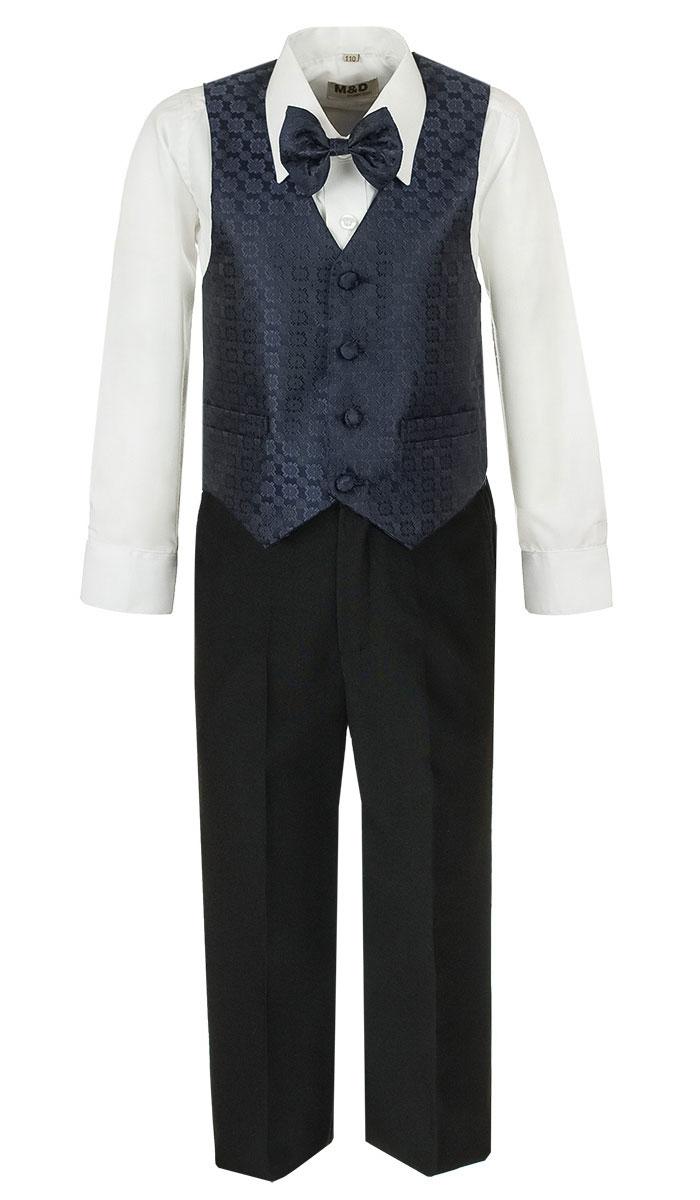 Костюм для мальчика M&D, цвет: темно-синий, черный, белый. HWI170051-29. Размер 116HWI170051-29Костюм для мальчика M&D изготовлен из полиэстера с добавлением модала и хлопка. Костюм включает в себя рубашку, брюки, жилет и галстук-бабочку. Рубашка с отложным воротником и длинными рукавами застегивается на пуговицы. Манжеты рукавов оснащены застежками-пуговицами. На груди расположен накладной карман. Брюки классического кроя и стандартной посадки застегиваются на пуговицу в поясе и ширинку на застежке-молнии. На поясе имеются шлевки для ремня. Пояс по бокам присборен на резинки. Брюки дополнены втачными карманами. Жилет с V-образным вырезом горловины застегивается на пуговицы. Спереди расположены два прорезных кармана. Галстук-бабочка оснащен эластичной резинкой. Жилет и галстук-бабочка оформлены оригинальным принтом.