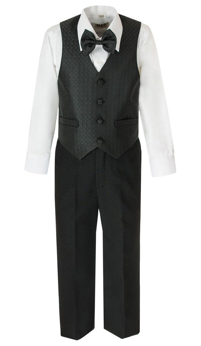 Костюм для мальчика M&D, цвет: черный, белый. HWI170021-21. Размер 116HWI170021-21Костюм для мальчика M&D изготовлен из полиэстера с добавлением модала и хлопка. Костюм включает в себя рубашку, брюки, жилет и галстук-бабочку. Рубашка с отложным воротником и длинными рукавами застегивается на пуговицы. Манжеты рукавов оснащены застежками-пуговицами. На груди расположен накладной карман. Брюки классического кроя и стандартной посадки застегиваются на пуговицу в поясе и ширинку на застежке-молнии. На поясе имеются шлевки для ремня. Пояс по бокам присборен на резинки. Брюки дополнены втачными карманами. Жилет с V-образным вырезом горловины застегивается на пуговицы. Спереди расположены два прорезных кармана. Галстук-бабочка оснащен эластичной резинкой. Жилет и галстук-бабочка оформлены оригинальным принтом.