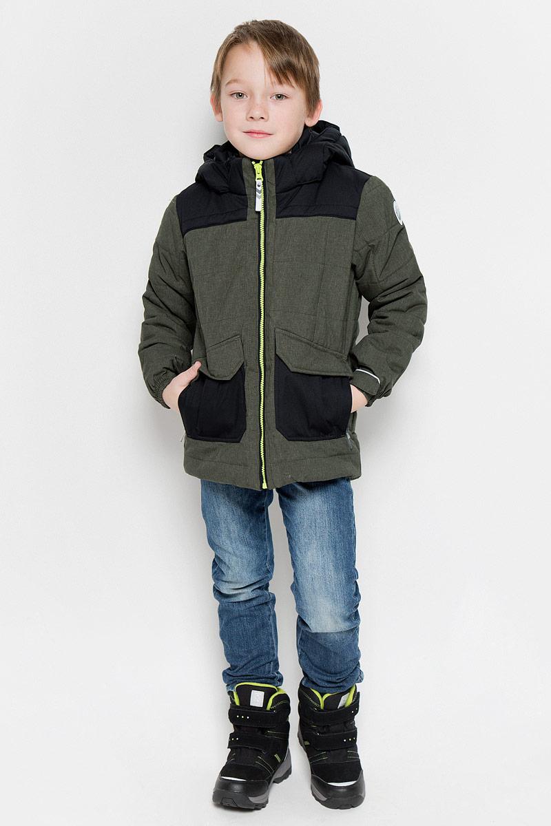 Куртка для мальчика Icepeak Radley Jr, цвет: болотный, черный. 650009805IVF. Размер 140650009805IVFКуртка, изготовленная из водоотталкивающей и ветрозащитной ткани, которая создает оптимальный микроклимат внутри куртки, утеплена синтепоном. В качестве подкладки используется полиэстер.Куртка с воротником-стойкой и капюшоном застегивается на молнию. Капюшон пристегивается при помощи кнопок. Манжеты рукавов дополнены хлястиками на липучках. Куртка дополнена двумя накладными карманами на застежках-молниях и имитацией двух карманов с клапанами на кнопках. Низ куртки дополнен кулиской со стопперами. Изделие дополнено светоотражающим элементом для безопасности ребенка в темное время суток.